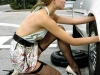dicas-mulher-trocar-pneu-1