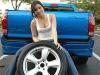 dicas-mulher-trocar-pneu-3