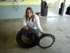 dicas-mulher-trocar-pneu-7