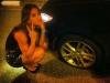dicas-mulher-trocar-pneu-8