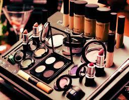 Dicas Para Comprar Maquiagem na Internet
